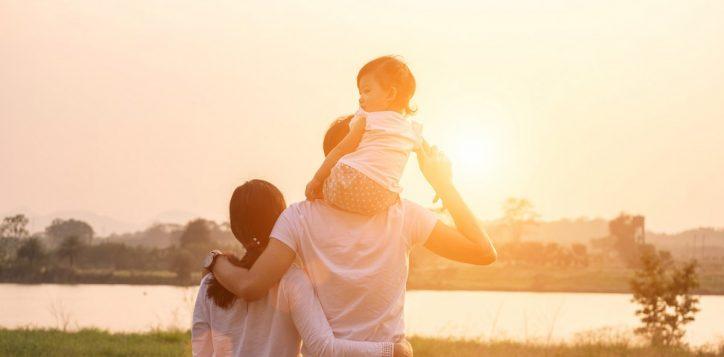 family-lake-2