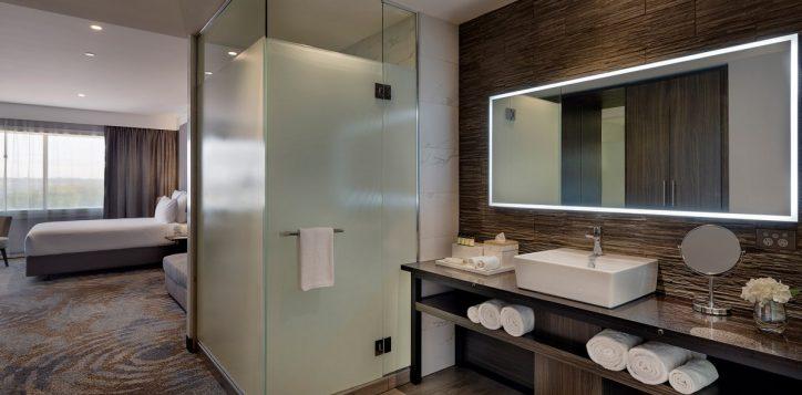 superior-bathroom-2